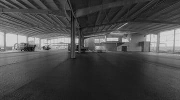 Photo première couche d'enrobé dans le Kart Center! Circuits de Vendée